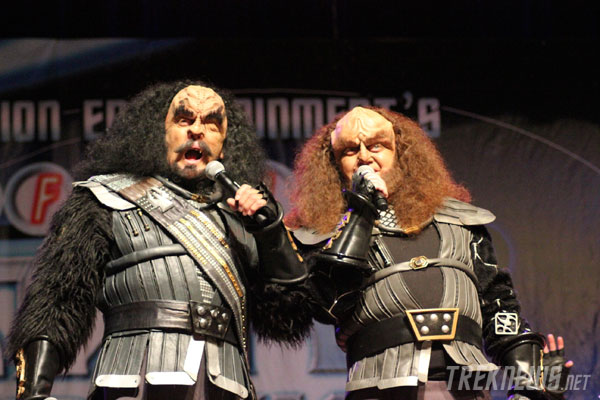 J.G. Hertzler and Robert O'Reilly as Martok and Gowron