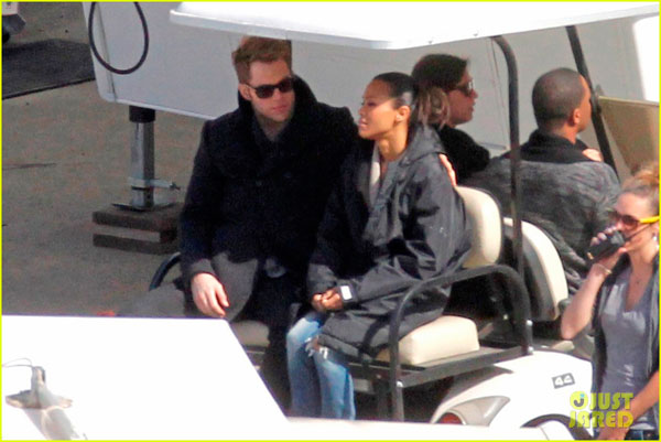 Zoe Saldana And Chris Pine Behind-the-Scenes Phot...