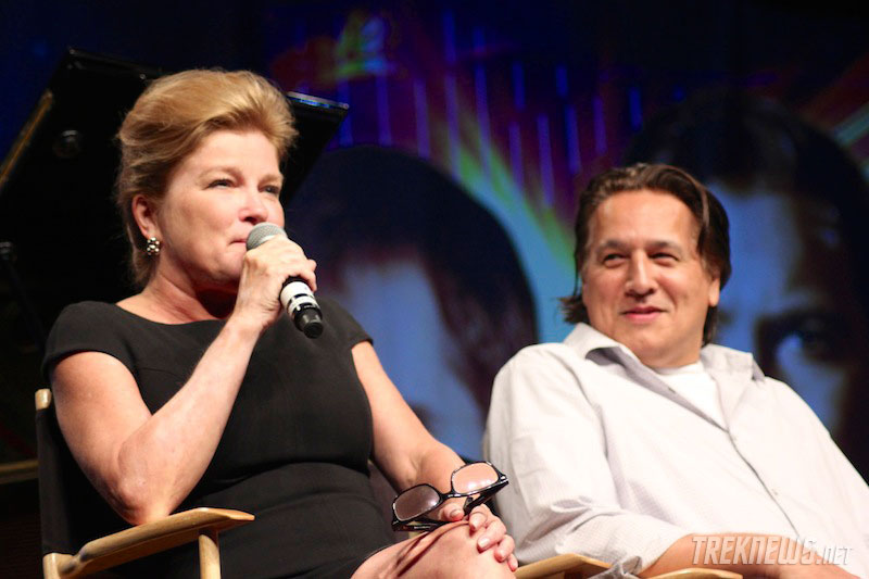 Kate Mulgrew and Robert Beltran