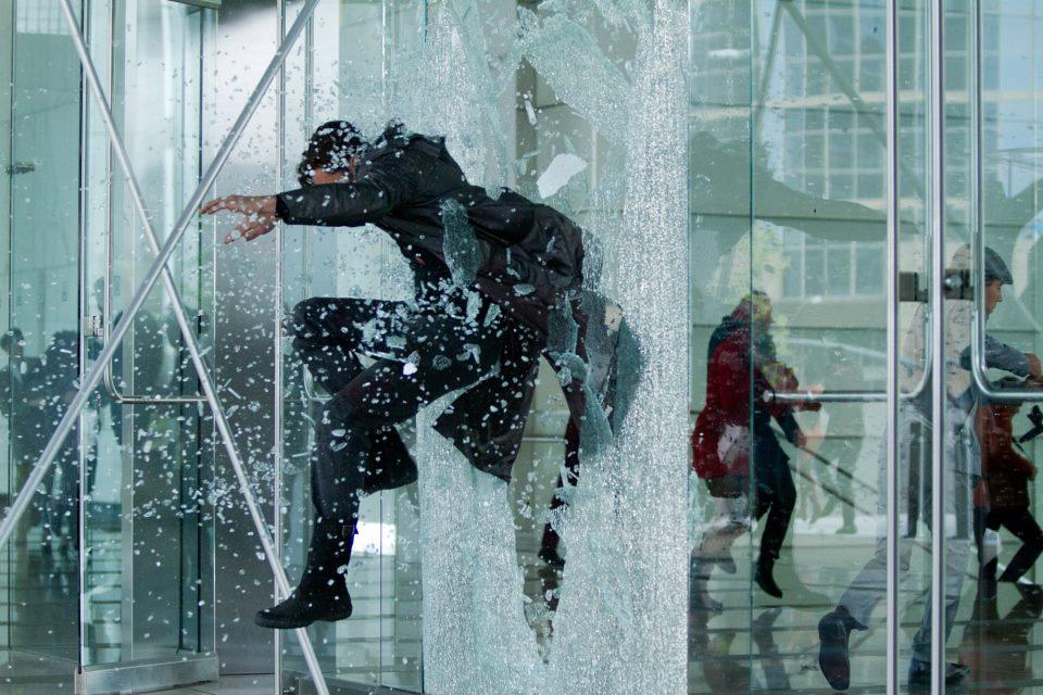 Benedict Cumberbatch as John Harrison escapes