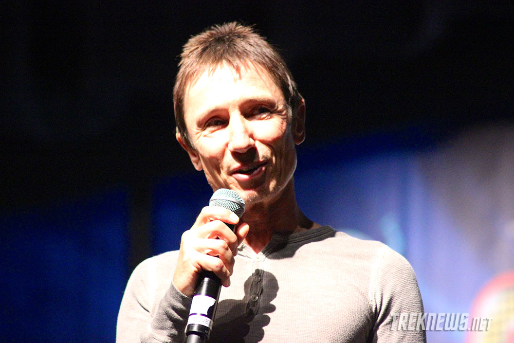 dominic keating biography