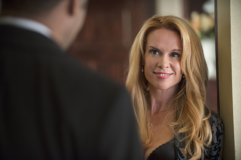 "Chase Masterson as Sherry on ""The Flash"""
