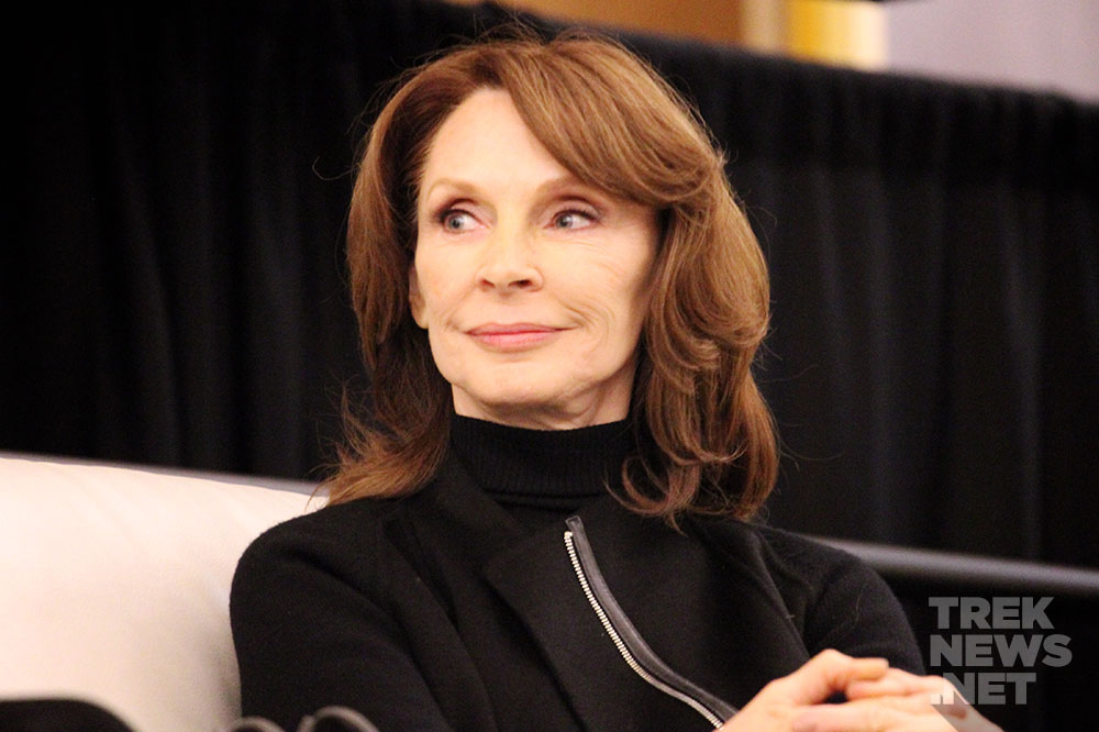 Gates McFadden at Rhode Island Comic-Con (photo: TrekNews.net)