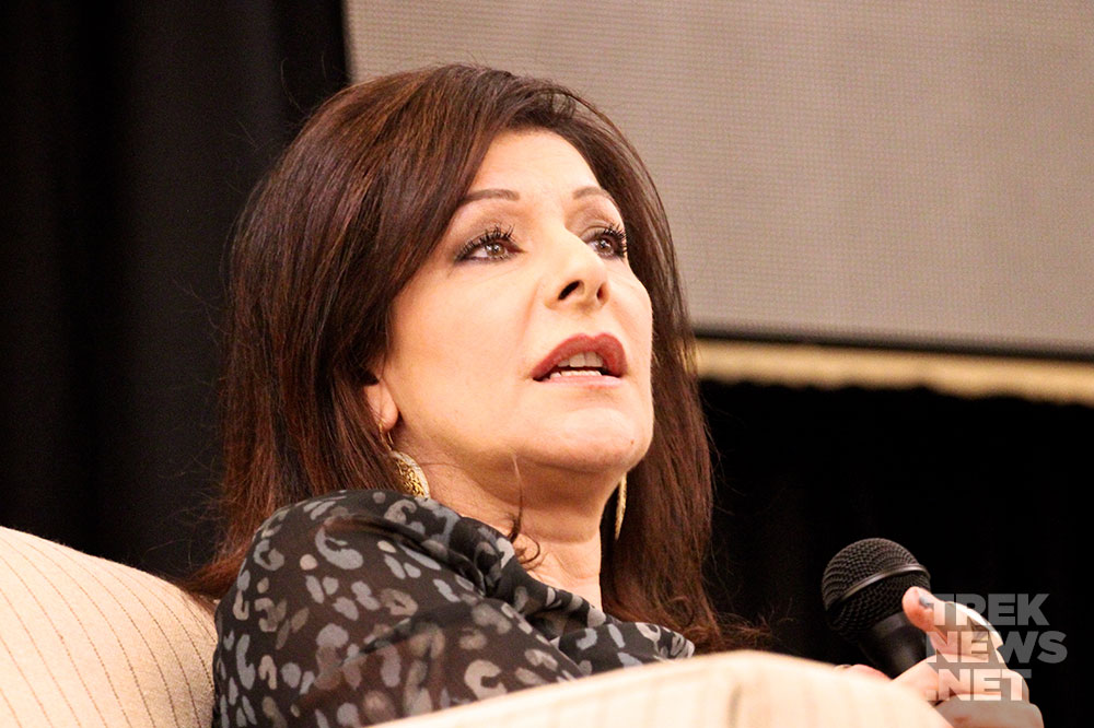 Marina Sirtis at Rhode Island Comic-Con (photo: TrekNews.net)
