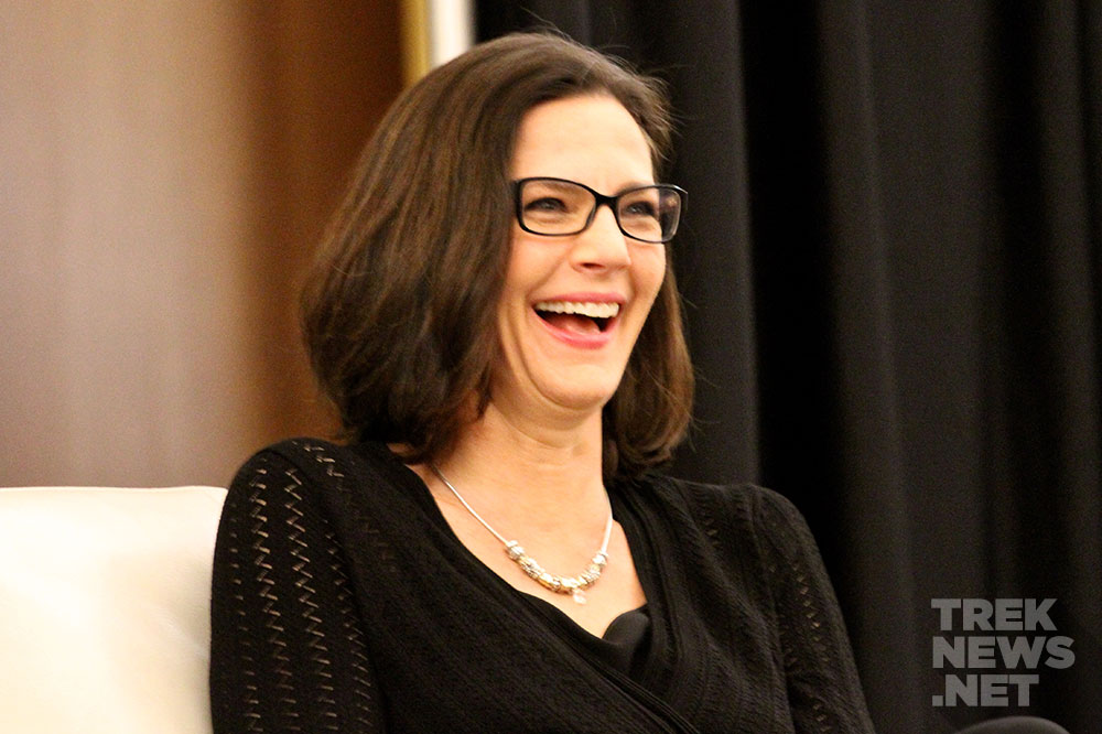 Terry Farrell at Rhode Island Comic-Con (photo: TrekNews.net)