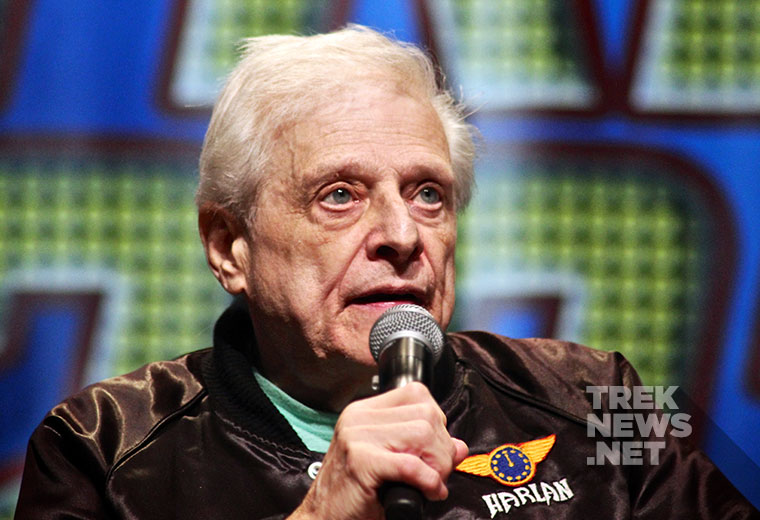 "Harlan Ellison discussing ""The City on the Edge of Forever"" at the 2014 Star Trek Convention in Las Vegas"
