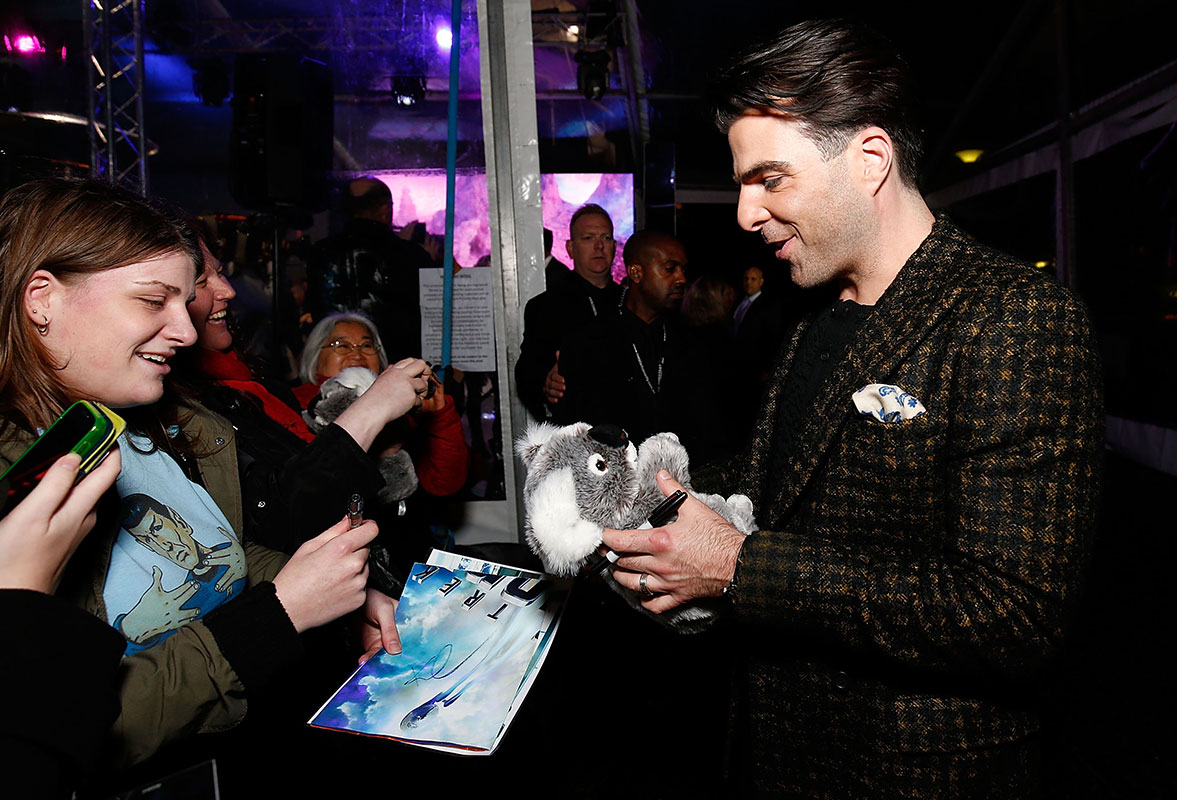 Zachary Quinto signs autographs for fans