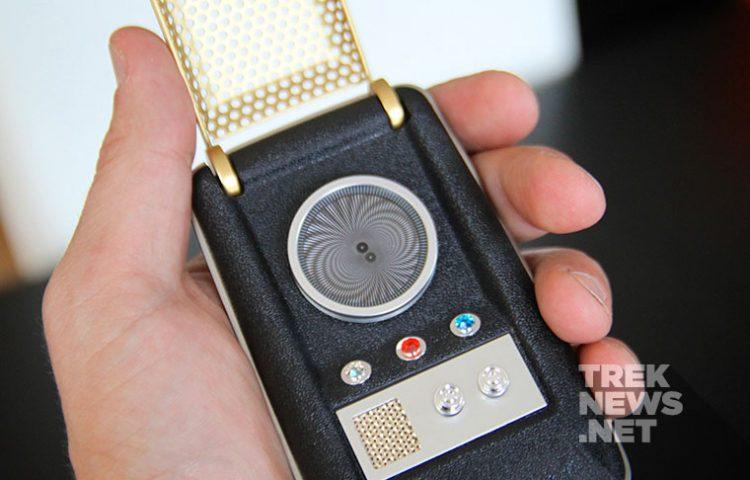 [REVIEW] Bluetooth Star Trek Communicator Is A Trekkie's Dream Come True
