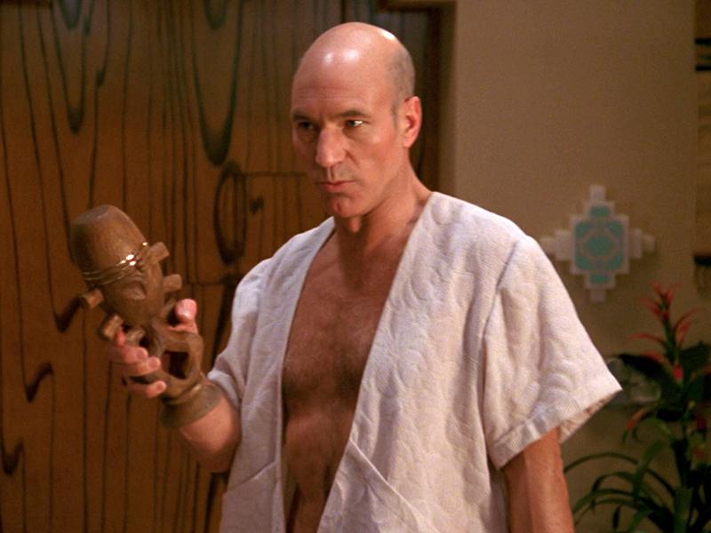 Picard holding a Horga'hn