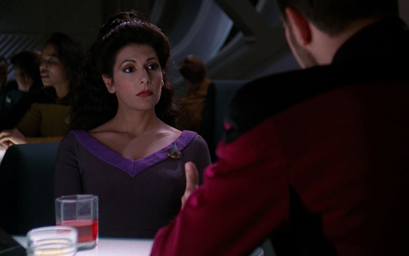 Deanna Troi and William Riker in Ten Forward