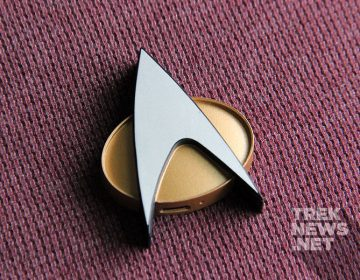 [REVIEW] Star Trek: TNG Bluetooth ComBadge