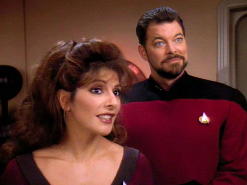 Marina Sirtis as Deanna Troi and Jonathan Frakes as William Riker on Star Trek: The Next Generation