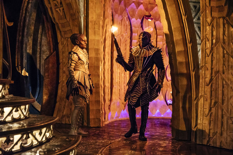 Mary Chieffo as L'Rell and Chris Obi as T'Kuvma