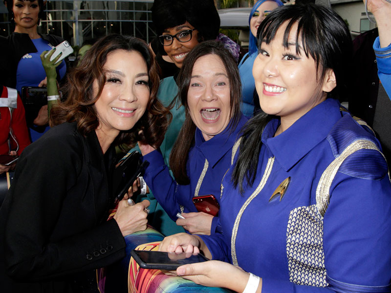 Michelle Yeoh with Captain Georgiou cosplayers