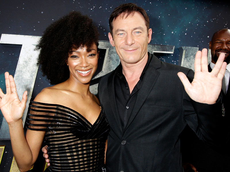 Sonequa Martin-Green and Jason Isaacs