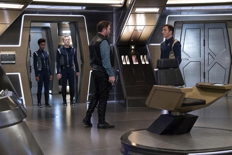 Rainn Wilson as Harry Mudd and Jason Isaacs as Captain Gabriel Lorca