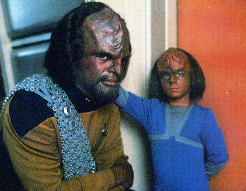 Michael Dorn as Worf with Steuer on the set of Star Trek: The Next Generation