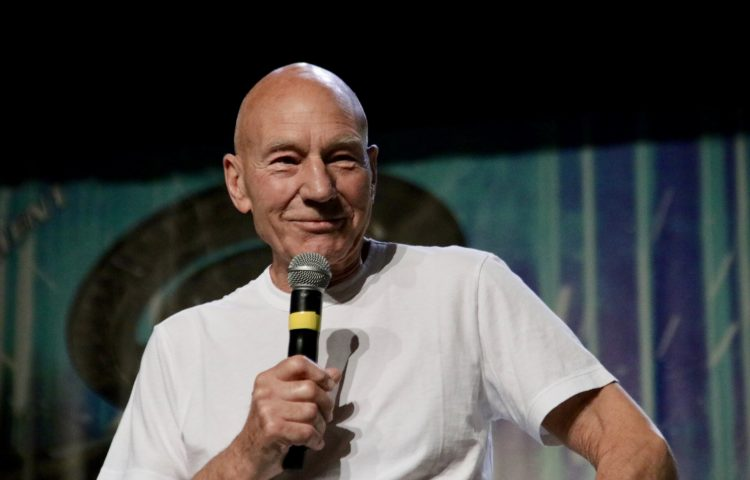 Patrick Stewart is Returning as Picard in New Star Trek Series!