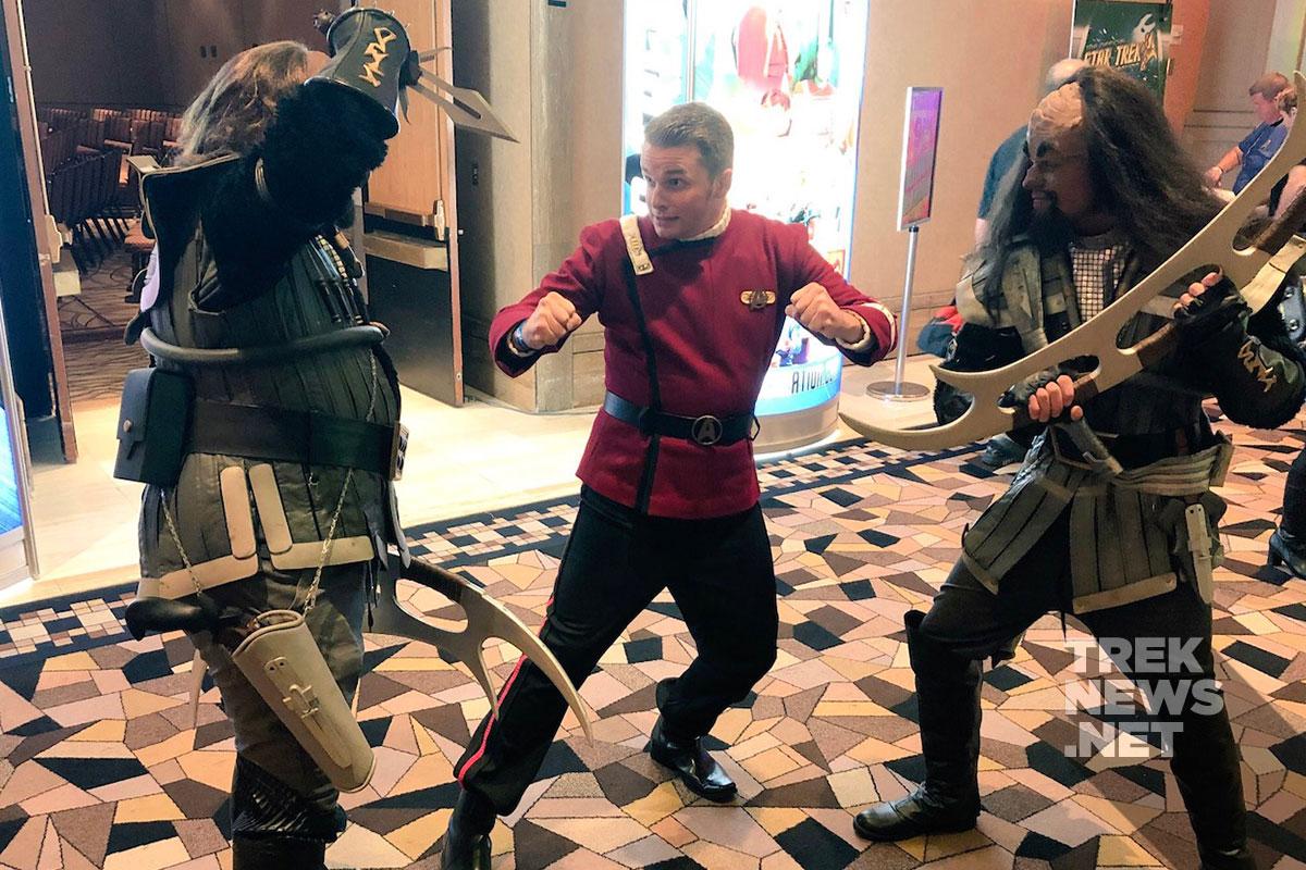 Kirk battles Klingons