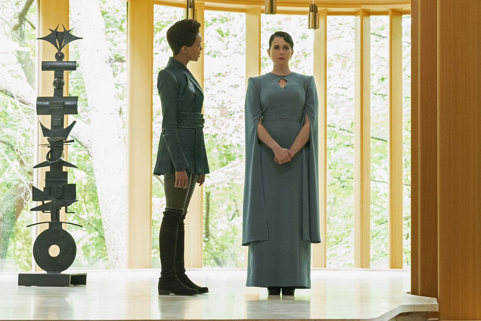 Sonequa Martin-Green as Michael Burnham and Mia Kirshner as Amanda