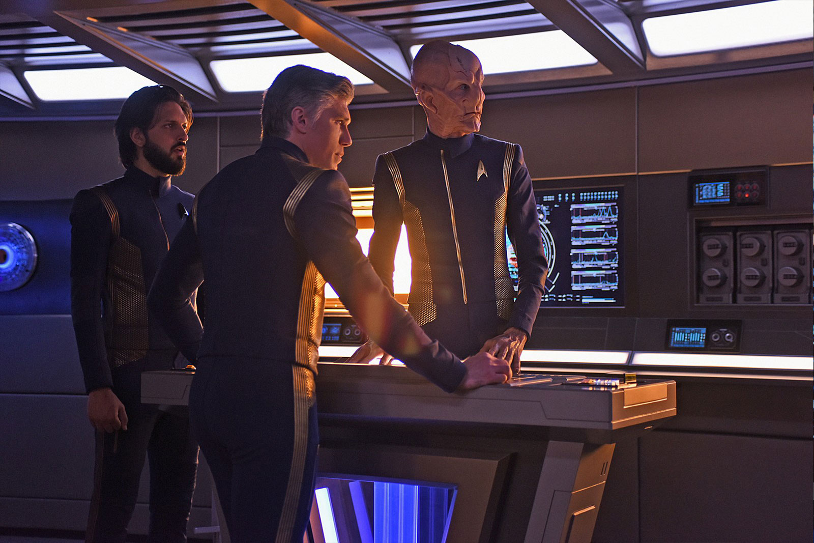 Shazad Latif as Ash Tyler, Anson Mount as Captain Christopher Pike and Doug Jones as Saru