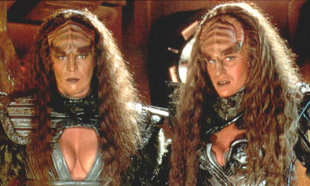 Barbara March and Gwynyth Walsh as Lursa and B'etor, the Duras sisters