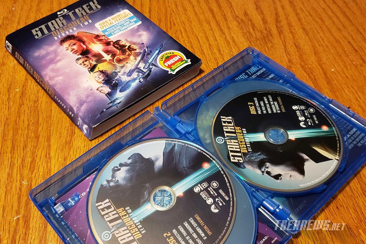Star Trek: Discovery - Season 2 Blu- ray packaging and discs