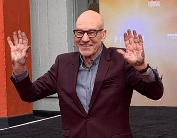 """Patrick Stewart Cements His Mark on Hollywood, Says STAR TREK: PICARD Is About """"Hope"""""""