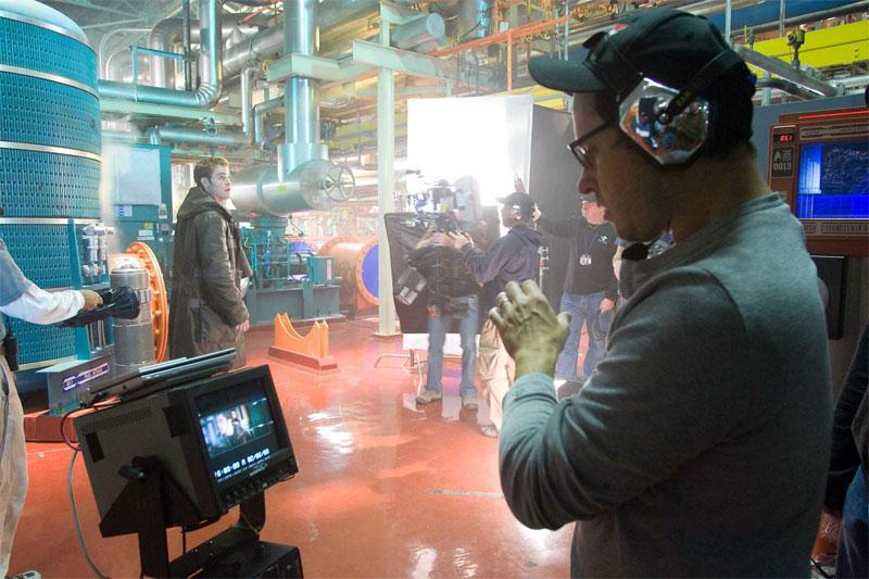 Chris Pine and JJ Abrams filming 2009's Star Trek