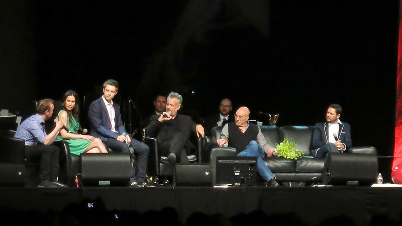 John de Lancie joins the cast of TNG on stage at Calgary Expo