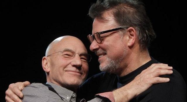 Cast of Star Trek: The Next Generation Reunites at Calgary Expo