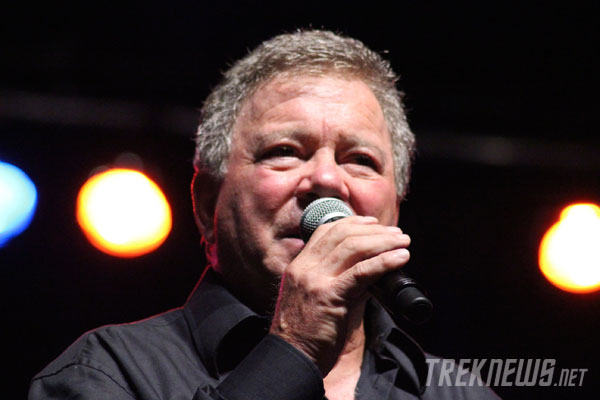 Shatner on stage at STLV 2011