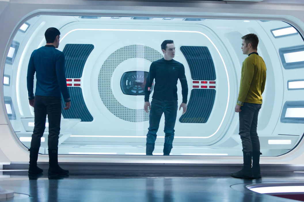 "New ""Star Trek Into Darkness"" photo with Cumberbatch behind glass"