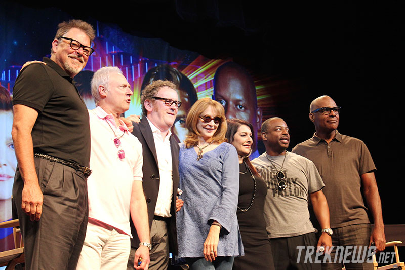 Brent Spiner with his TNG co-stars at the 2012 Las Vegas Star Trek Convention