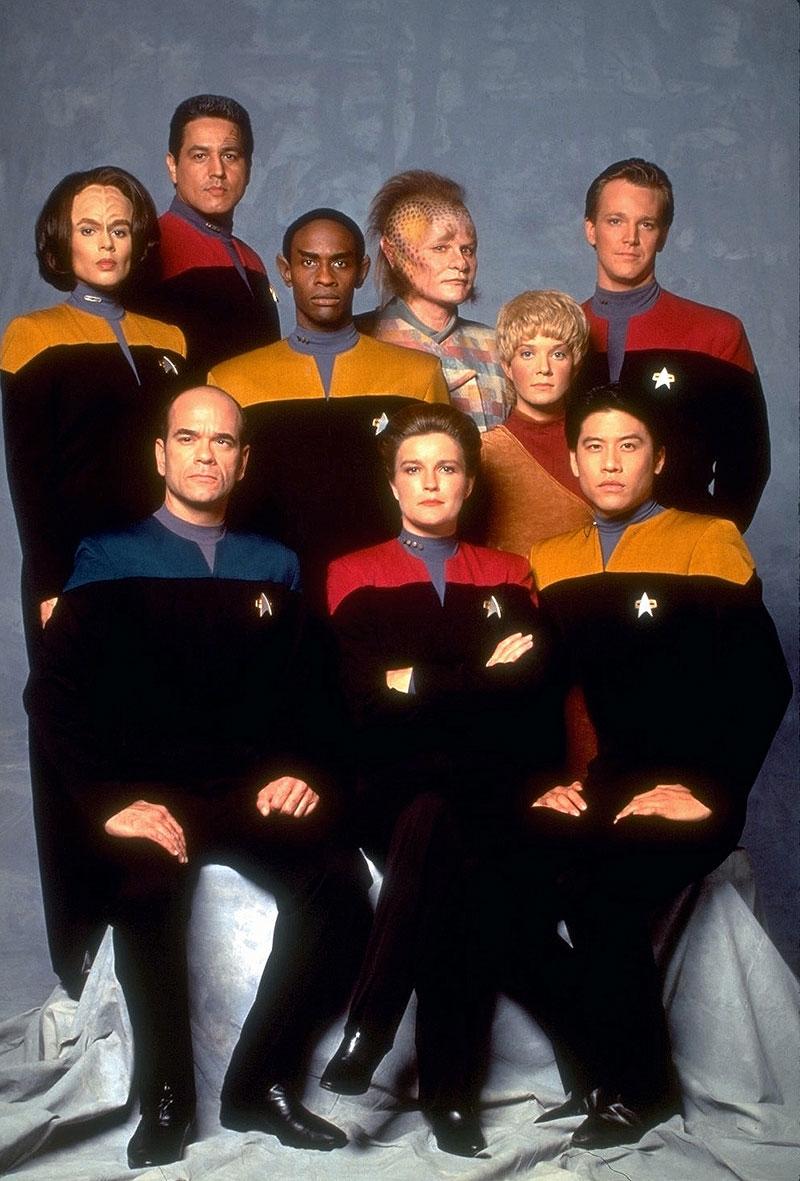 Voyager cast