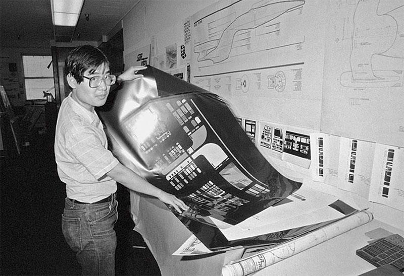 """Michael Okuda building the """"Okudagram"""""""