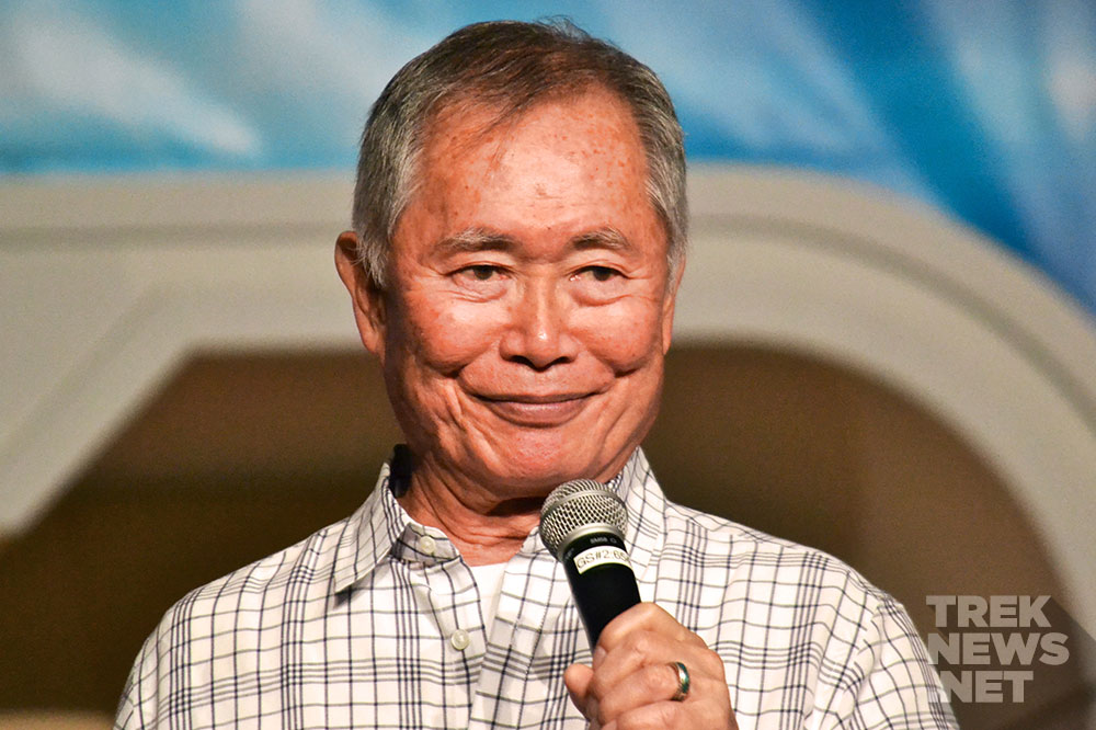 Takei at the 2015 Las vegas Star Trek convention