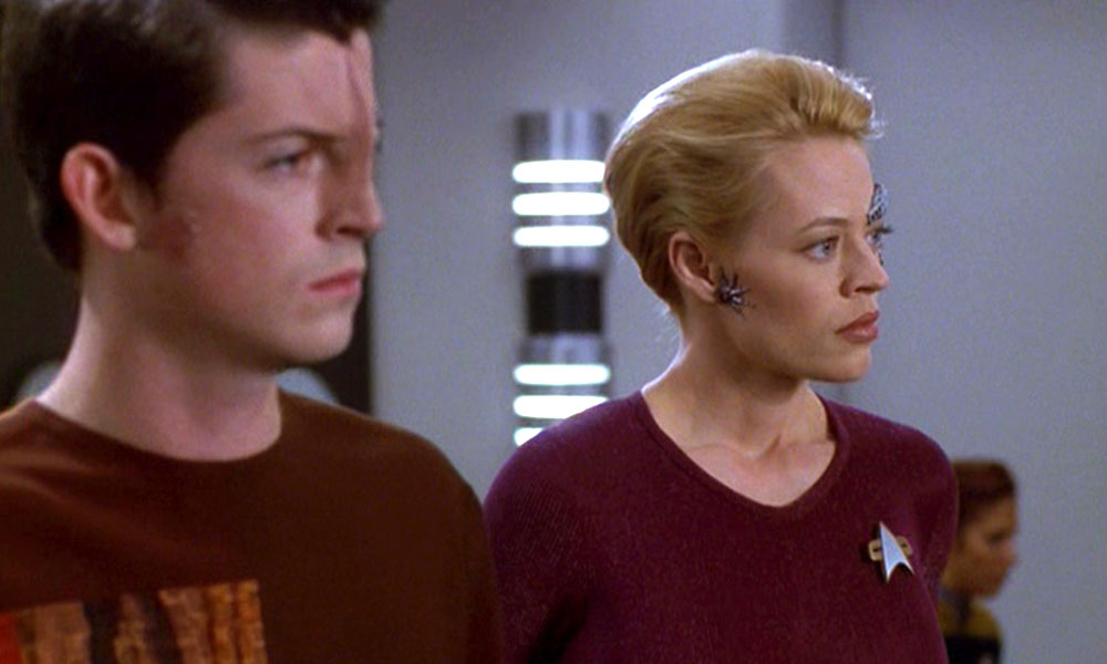 Intiraymi with Jeri Ryan on 'Voyager'