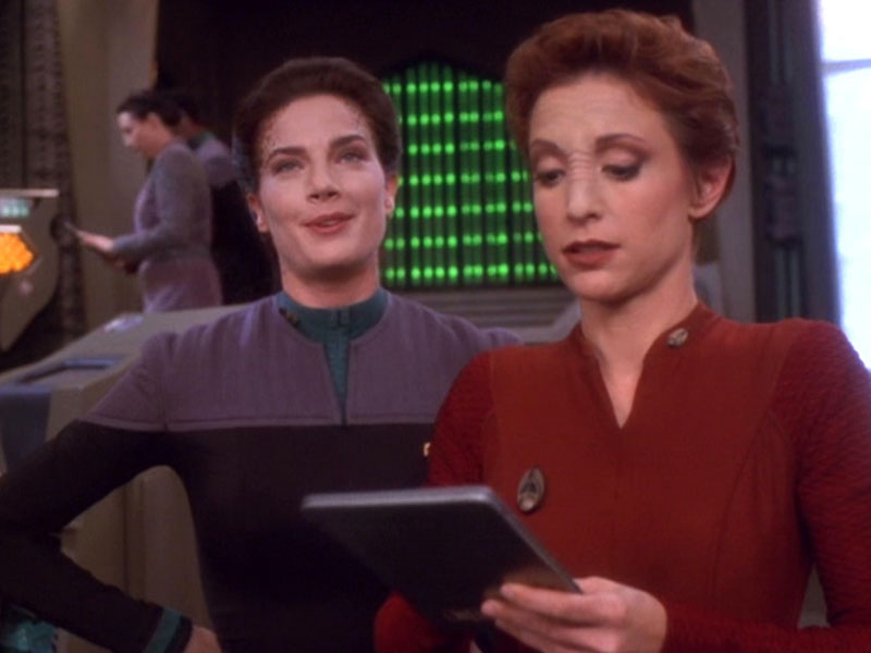 Terry Farrell as Dax and Nana Visitor as Kira on Deep Space Nine