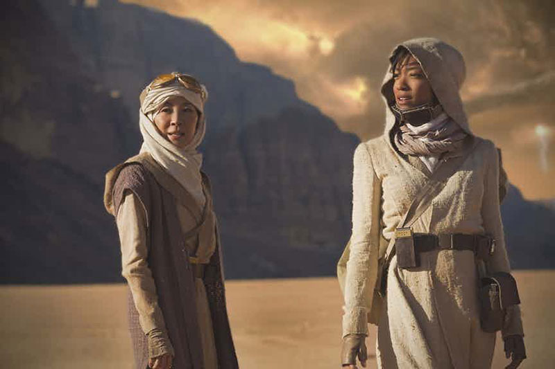 Michelle Yeoh and Sonequa Martin-Green | Photo: CBS All Access