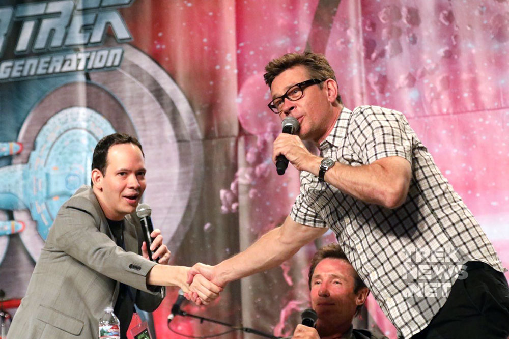 Trinneer thanks Roger Lay, Jr. as he and Dominic wrap their panel
