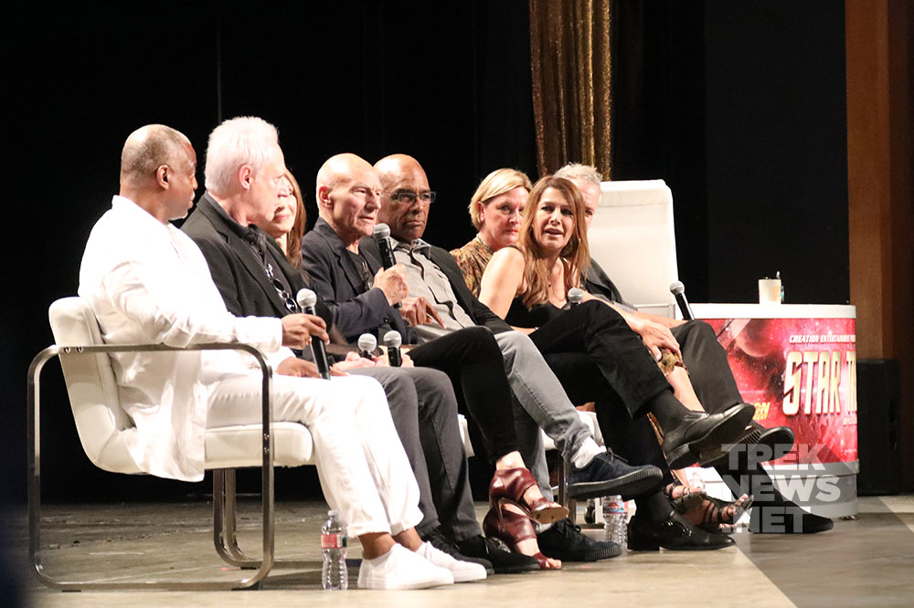 The cast of Star Trek: The Next Generation at STLV (photo credit: Neil Henderson for TrekNews.net)