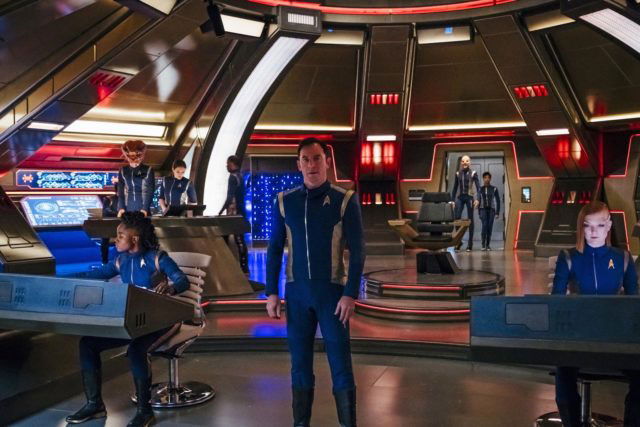Jason Isaacs as Captain Gabriel Lorca on the bridge of the U.S.S. Discovery