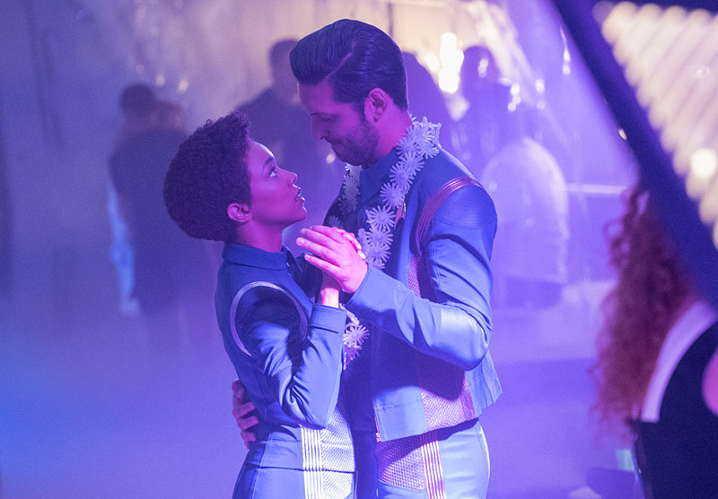 Shazad Latif as Lieutenant Ash Tyler and Sonequa Martin-Green as Michael Burnham