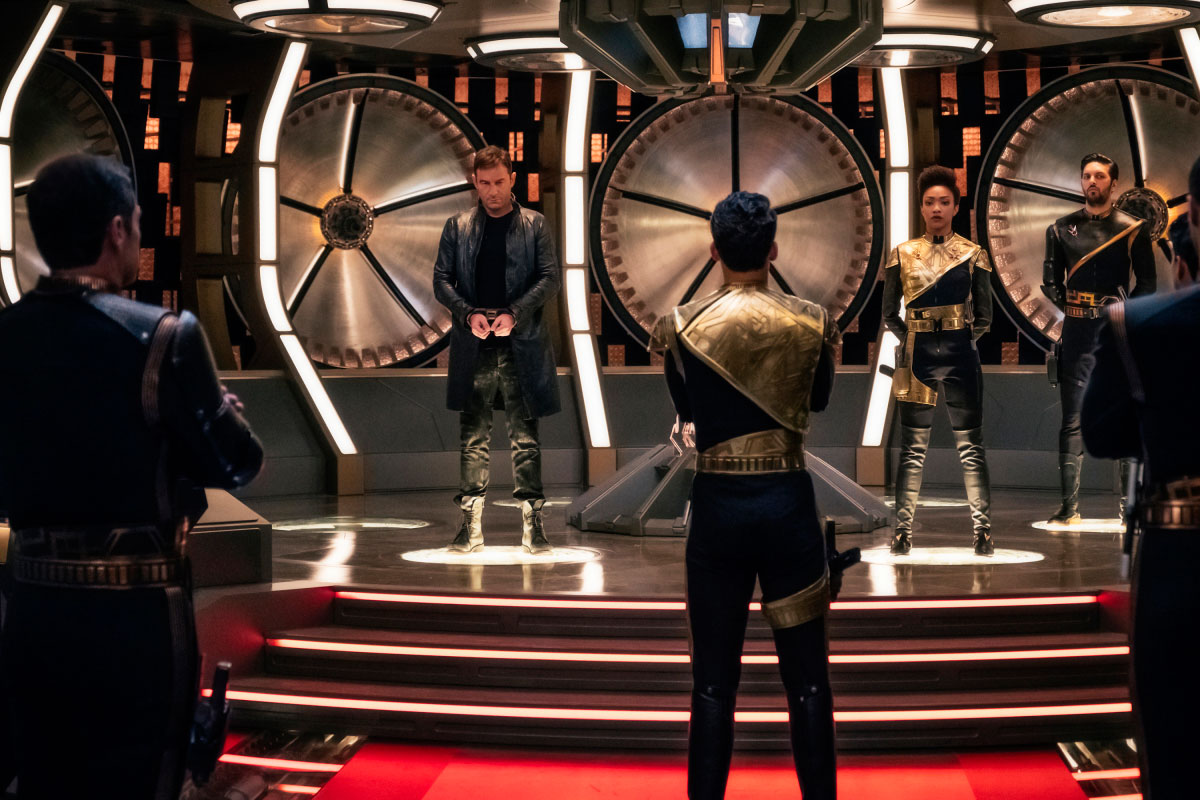 Jason Isaacs as Captain Gabriel Lorca, Sonequa Martin-Green of First Officer Michael Burnham and Shazad Latif as Lieutenant Ash Tyler