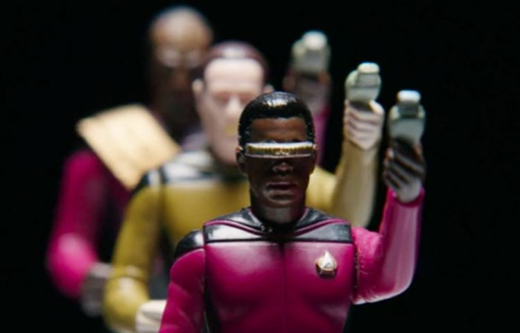 [REVIEW] The Toys That Made Us: Star Trek