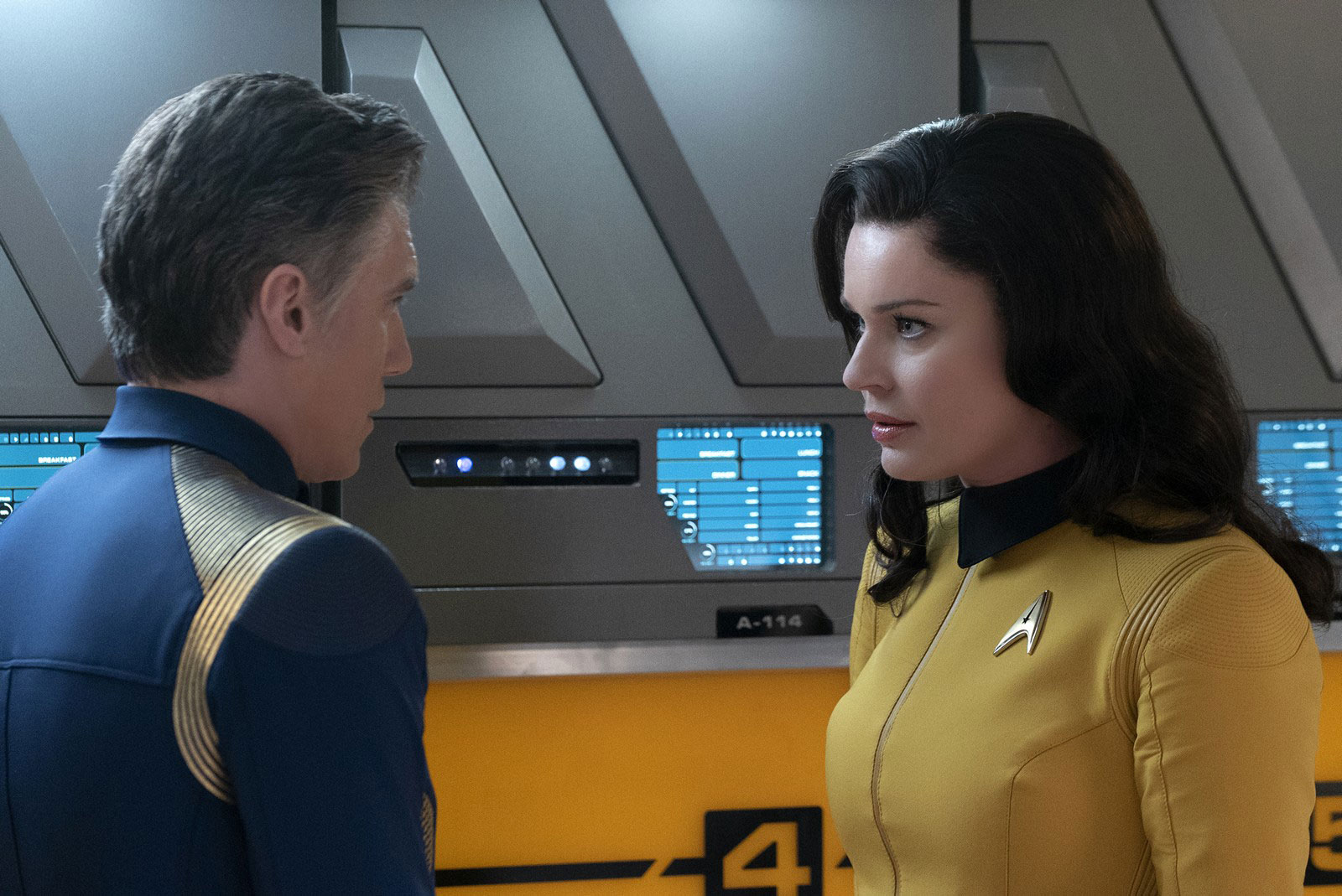 Anson Mount as Christopher Pike and Rebecca Romijn as Number One