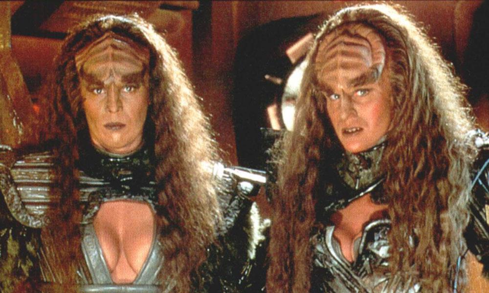 Barbara March and Gwynyth Walsh as Lursa and B'etor, the Duras sisters