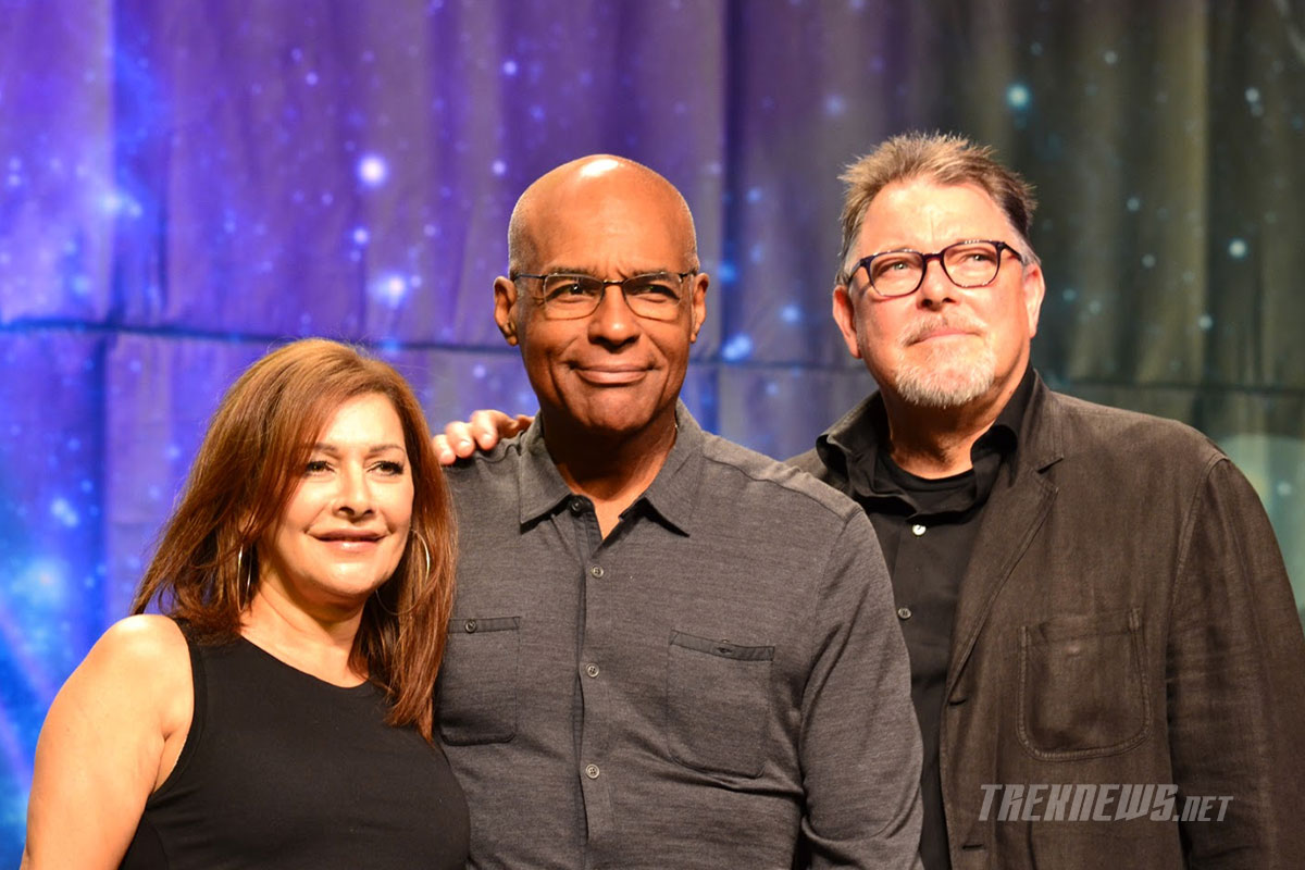 TNG co-stars Marina Sirtis, Michael Dorn and Jonathan Frakes on stage together at STLV 2017
