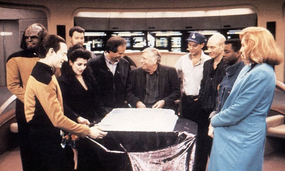 (L-R) Michael Dorn, Brent Spiner, Marina Sirtis, Jonathan Frakes, Rick Berman, Gene Roddenberry, Michael Piller, Patrick Stewart, LeVar Burton and Gates McFadden on the set of Star Trek: The Next Generation